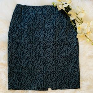 LOFT Skirts - LOFT Blue/Grey Pencil Skirt Size 6